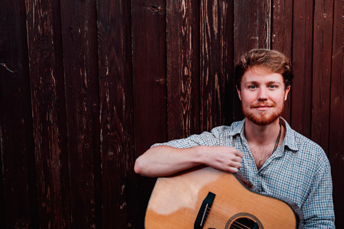 DOWNEND Folk Club round off their summer programme this month with a visit from one of the best young folk singers currently treading the UK circuit.