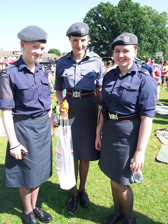 Cdt-Holly-Plummer,-Esme-Liebert-and-Cpl-KT-Brooks-at-Heathfest