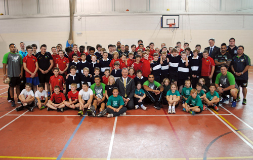 mangotsfield school welcomes cook islanders