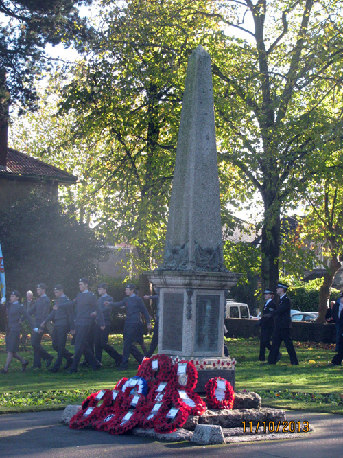 staple-hill-remembrance-day-2013